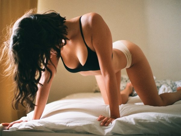 Bend At The Waist (38 pics)