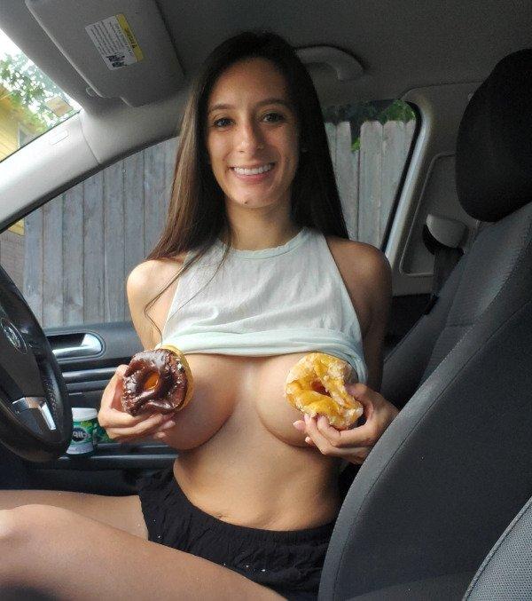 Hot Car Selfies (38 pics)