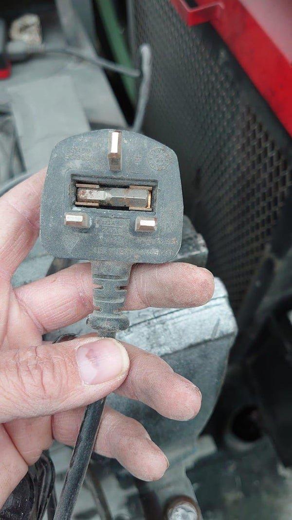 Gadget Fails (28 pics)