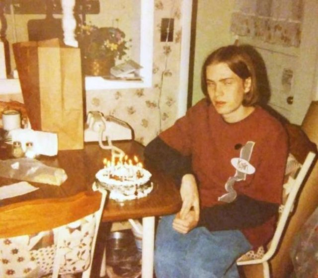 Young Photos People Would Like To Forget (18 pics)