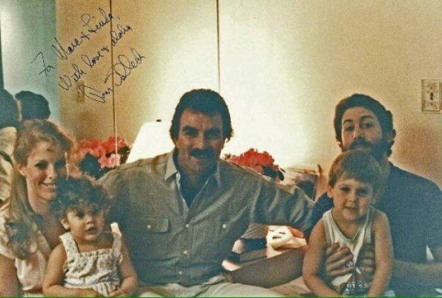 Family Photos With Celebrities (48 pics)
