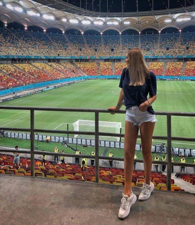 'EURO 2020' Beautiful Girls (23 pics)