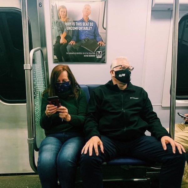Subway Coincidences (32 pics)