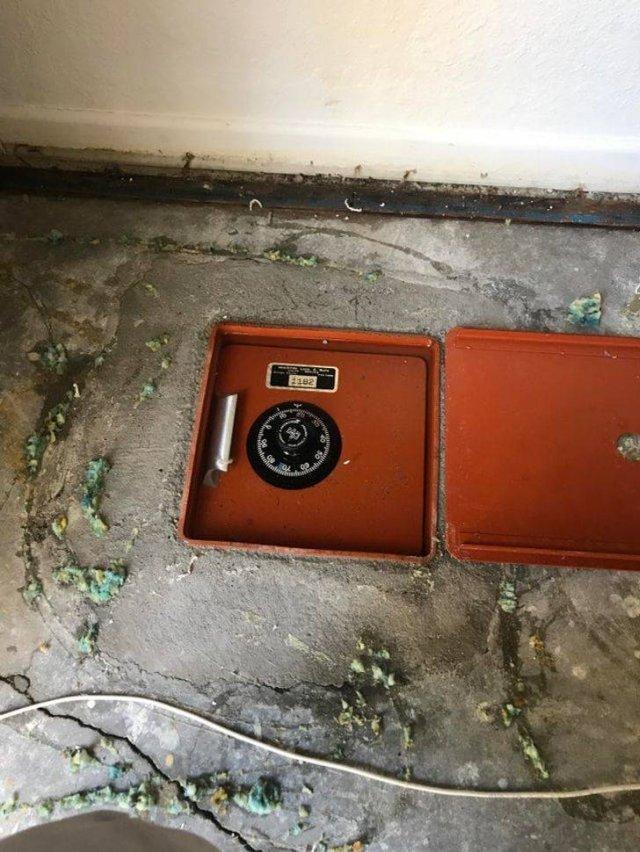 Secrets Of Old Houses (19 pics)