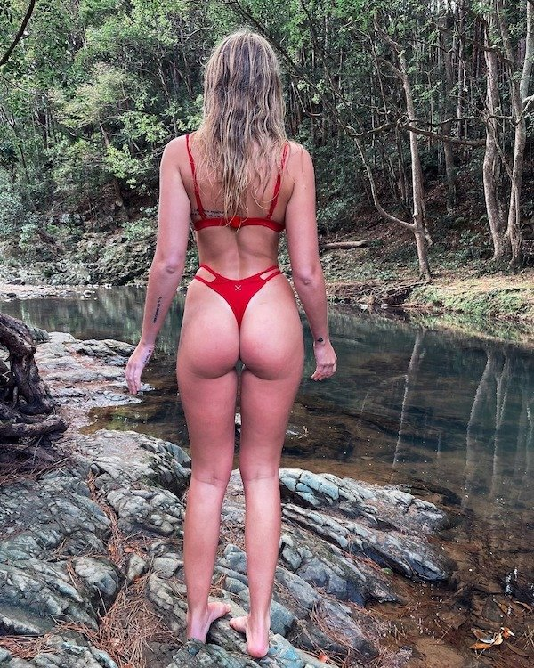 Beautiful Girls And Outdoors (54 pics)