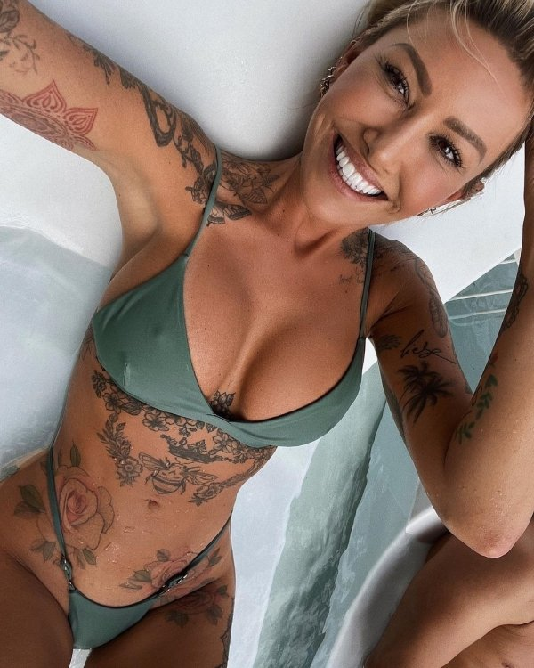 Girls With Beautiful Smiles (38 pics)