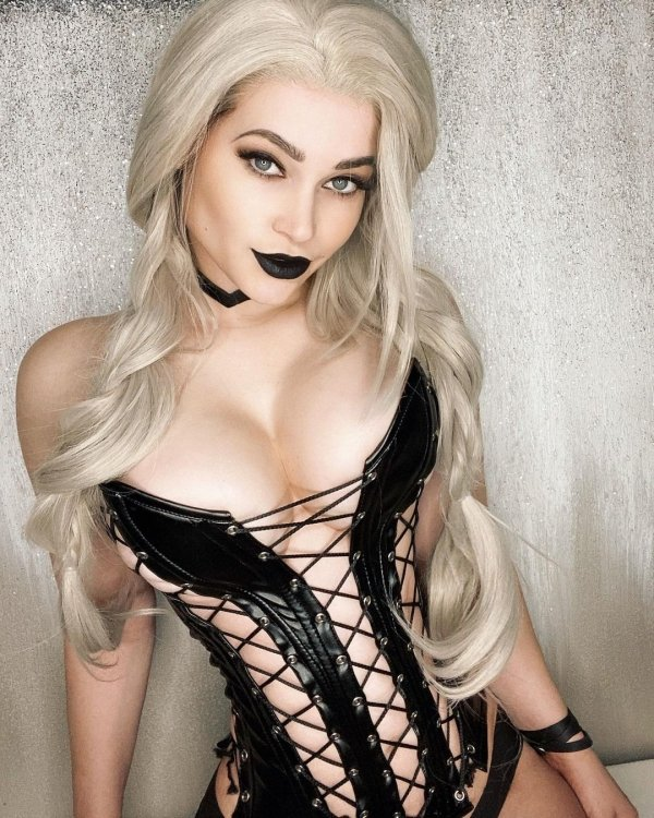 Girls In Corsets (30 pics)