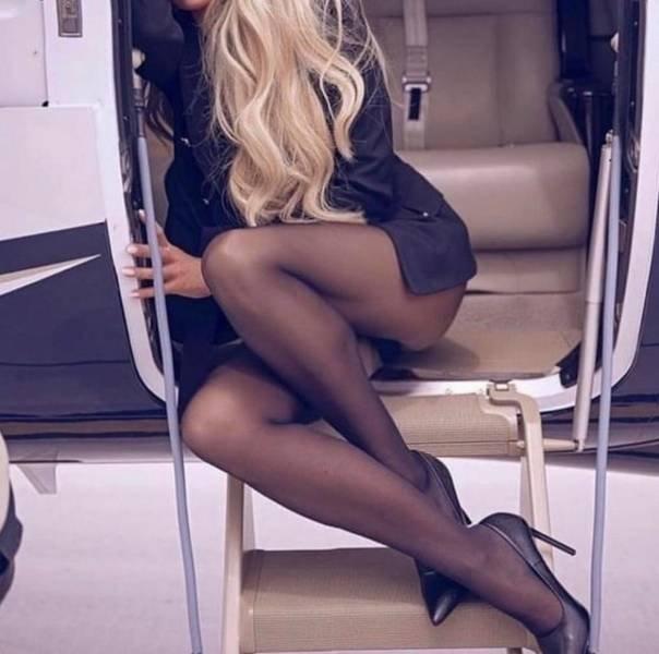 Hot Flight Attendants (26 pics)