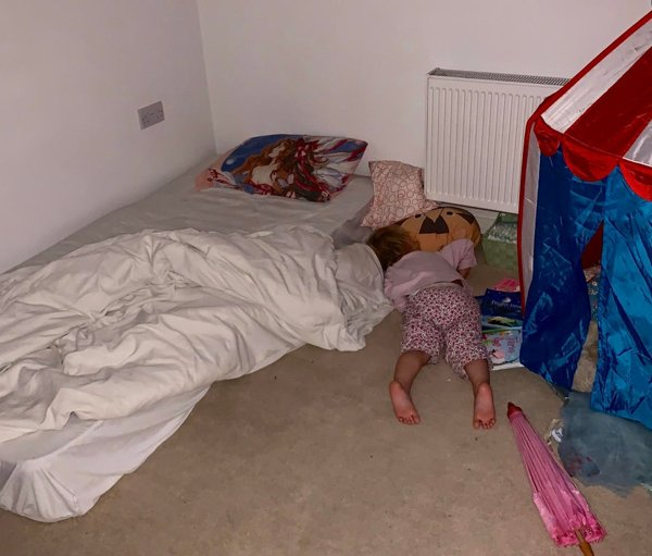 Kids Sleep In Different Places And Positions (25 pics)