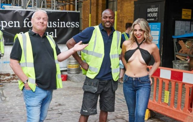 Female Journalist Went Outside In A Hot Top And Then Shared People's Reactions (7 pics)
