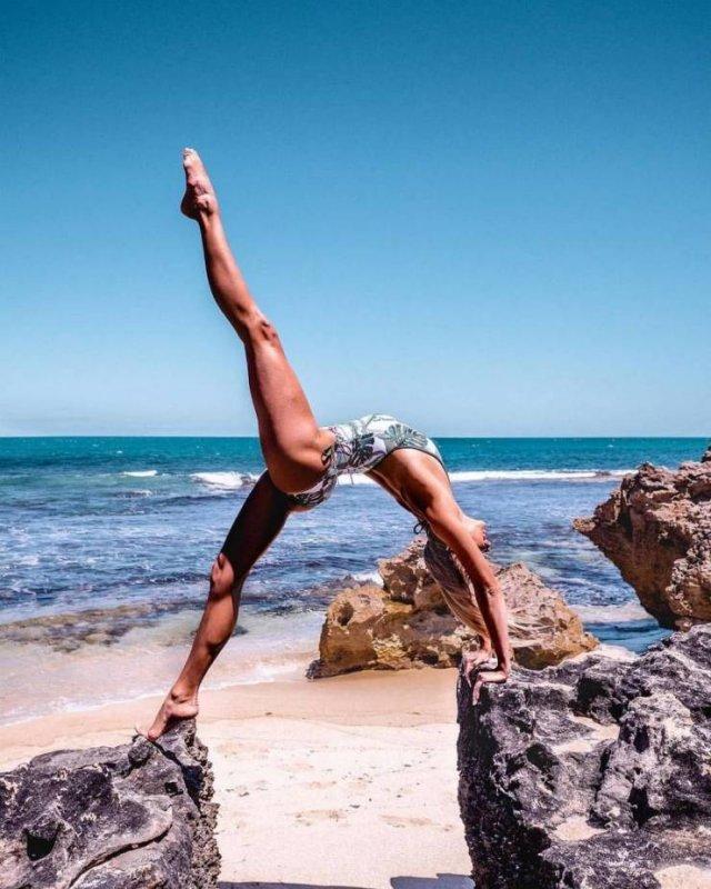 Flexible Girls (46 pics)