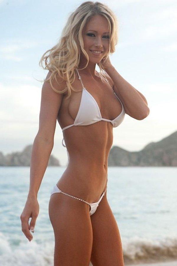 Bikini Girls (90 pics)