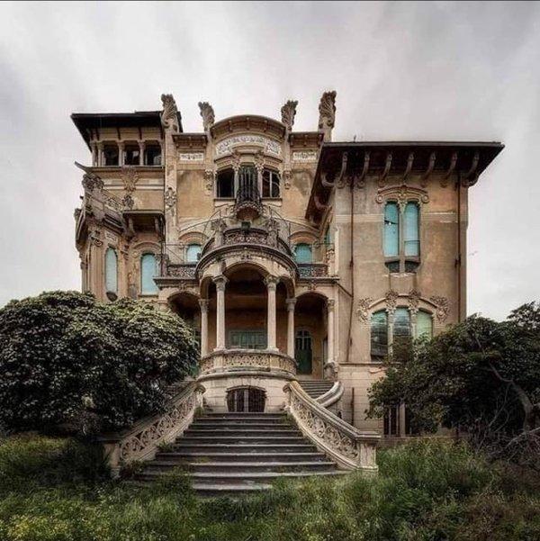 Beautiful Abandoned Places (20 pics)