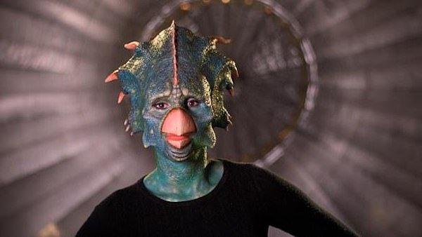 Girls Dress Weird Costumes For TV Show (32 pics)