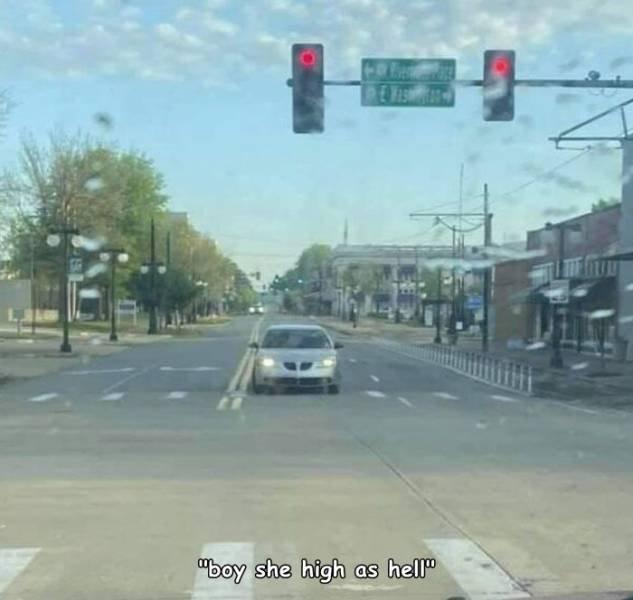 Weird Car Situations (34 pics)