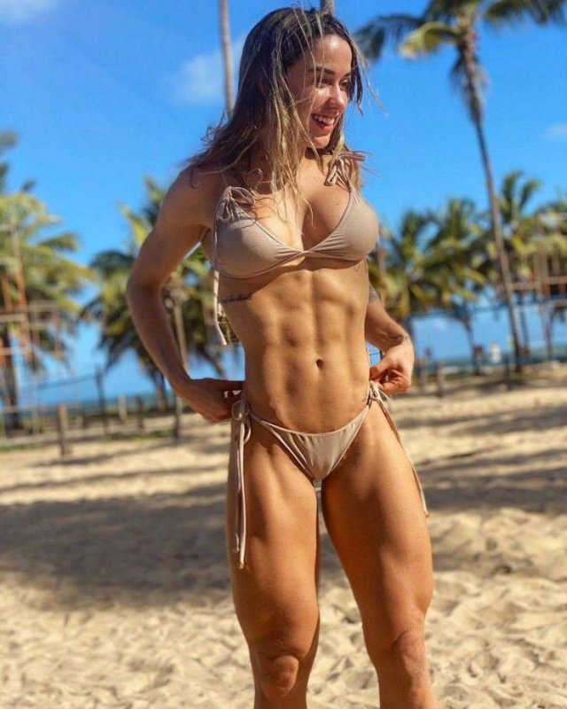 Sporty Girls (43 pics)