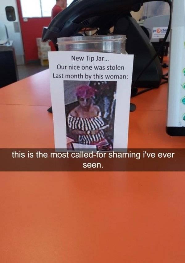 Horrible Customers (25 pics)