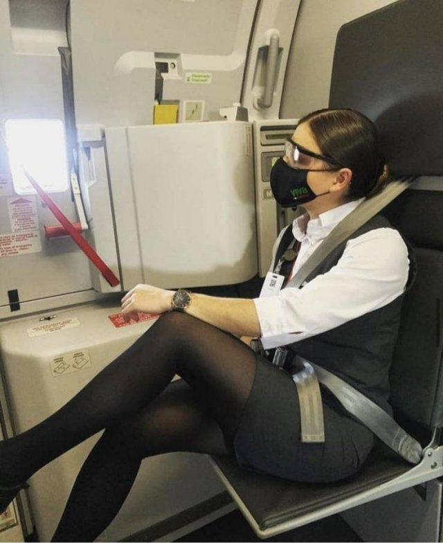Hot Flight Attendants (27 pics)