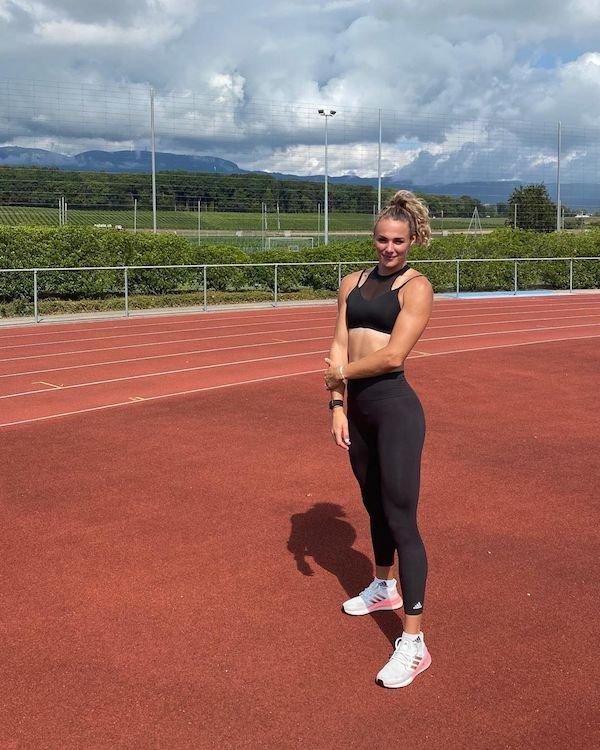 Hot Dutch Runner Lieke Klaver (21 pics)