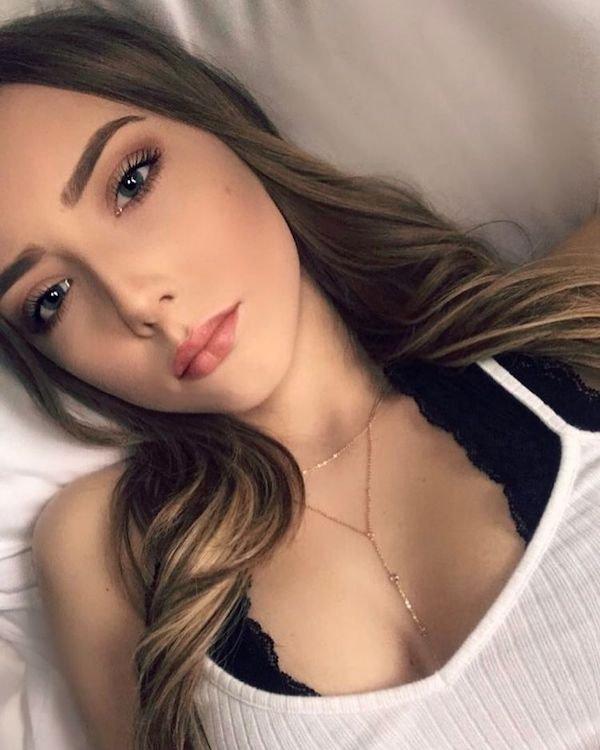 Beautiful Eminem's Daughter (23 pics)