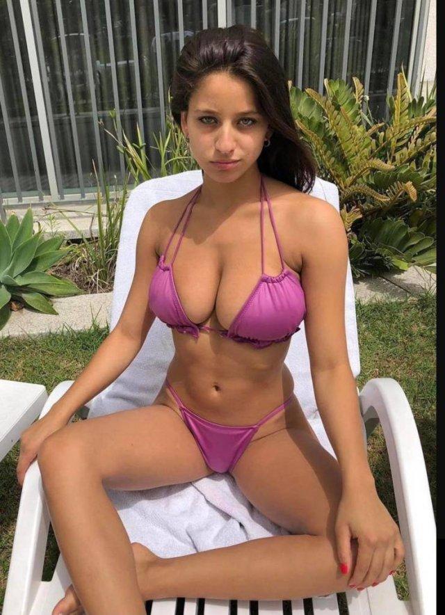 Bikini Girls (65 pics)
