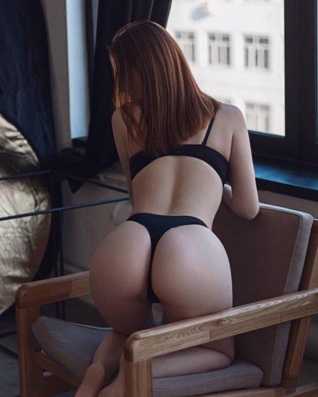 Rear View (48 pics)