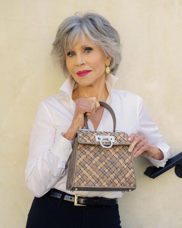 Beautifully Aging Celebrities (25 pics)