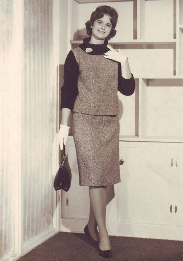 Women Style In Different Centuries (22 pics)