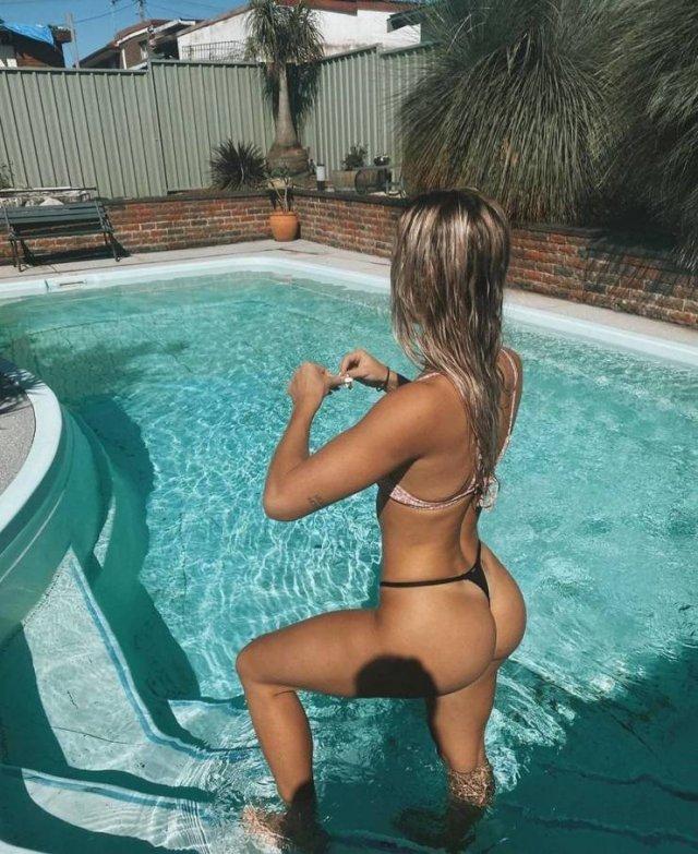 Wet Girls (50 pics)