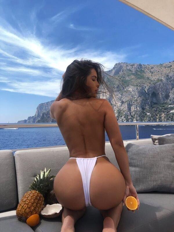 Rear View (25 pics)