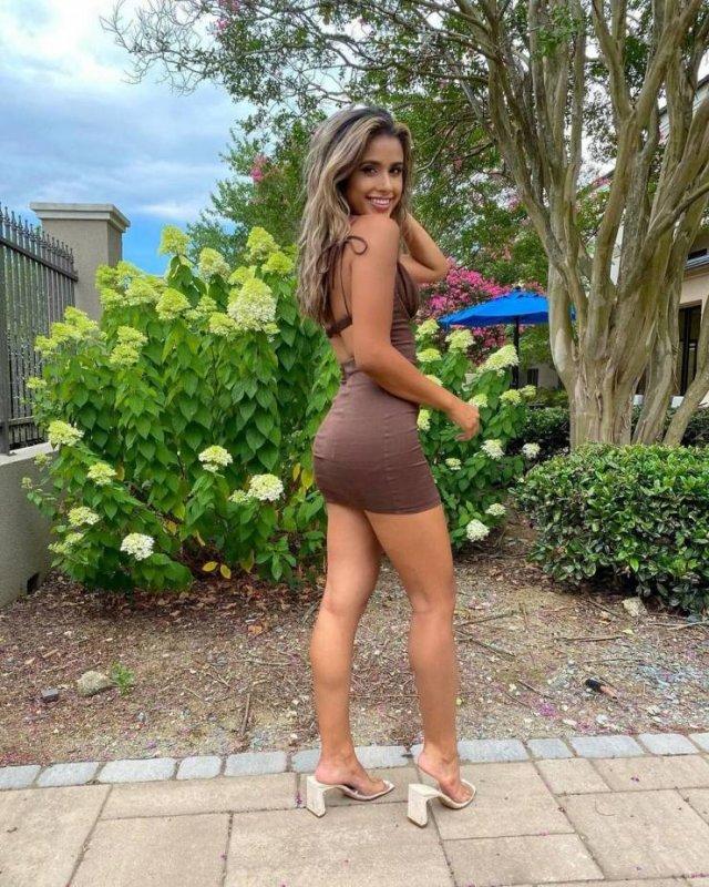 Girls In Summer Dresses (43 pics)