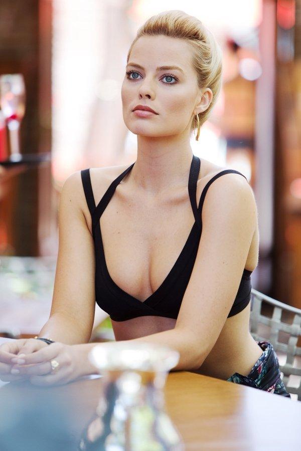Hot Bikini Scenes In Movies (25 pics)