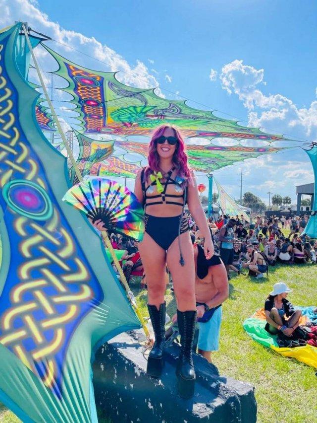 Music Festival Girls (53 pics)