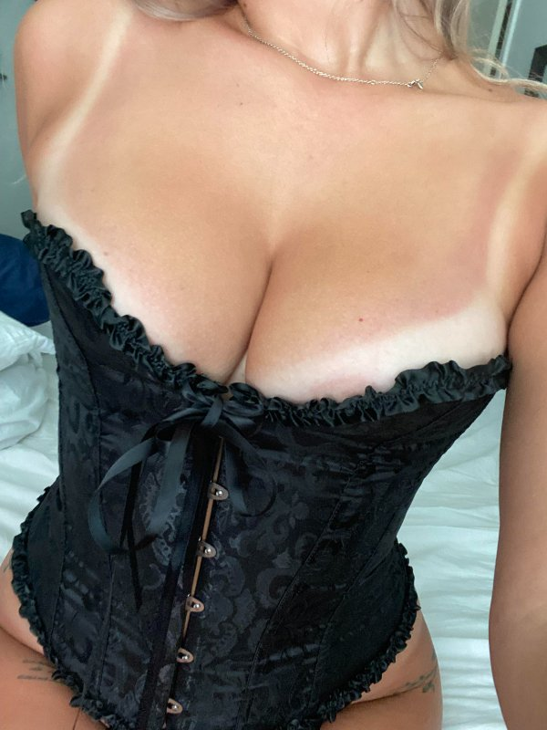 Girls With Tan Lines (38 pics)