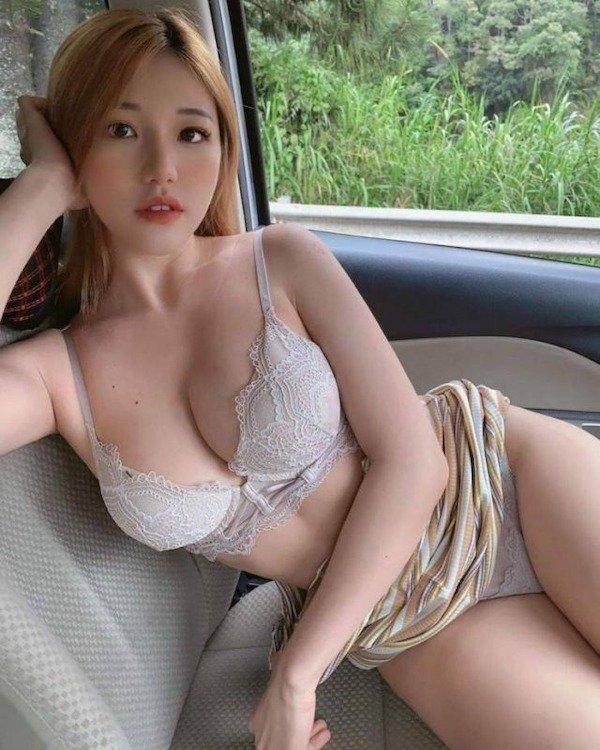 Asian Beauties (50 pics)