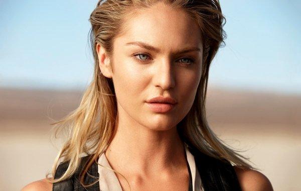 Beautiful Actresses (25 pics)