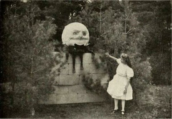 Old Creepy Photos (30 pics)
