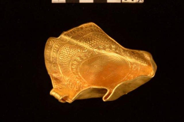 Danish Man Found 'Vikings' Gold With His Metal Detector (12 pics)