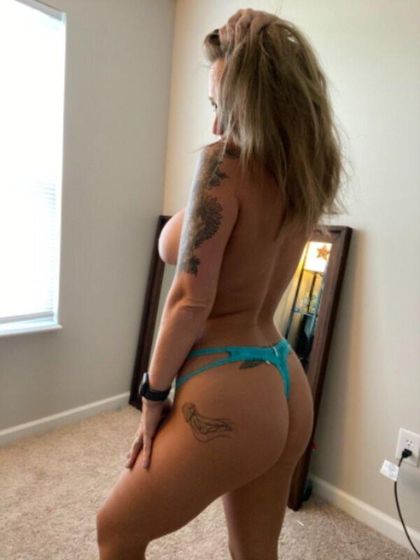 Rear View (30 pics)
