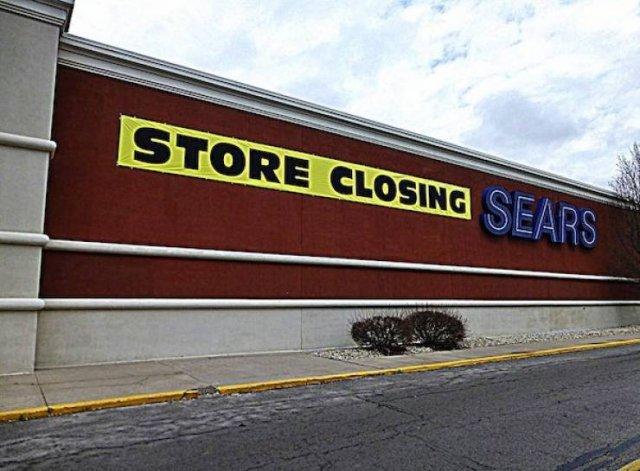 Decisions That Crushed Big Businesses (24 pics)