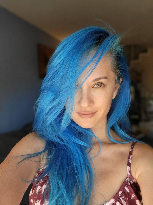 Girls With Dyed Hair (45 pics)