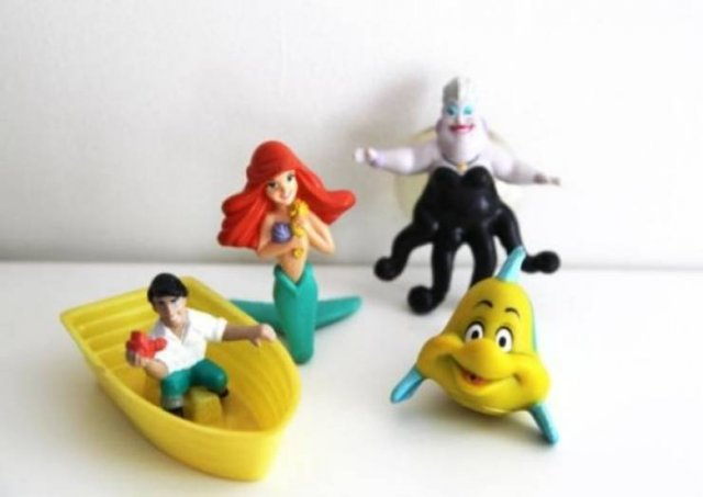 Time For Nostalgia: 'McDonald's' Happy Meal (25 pics)