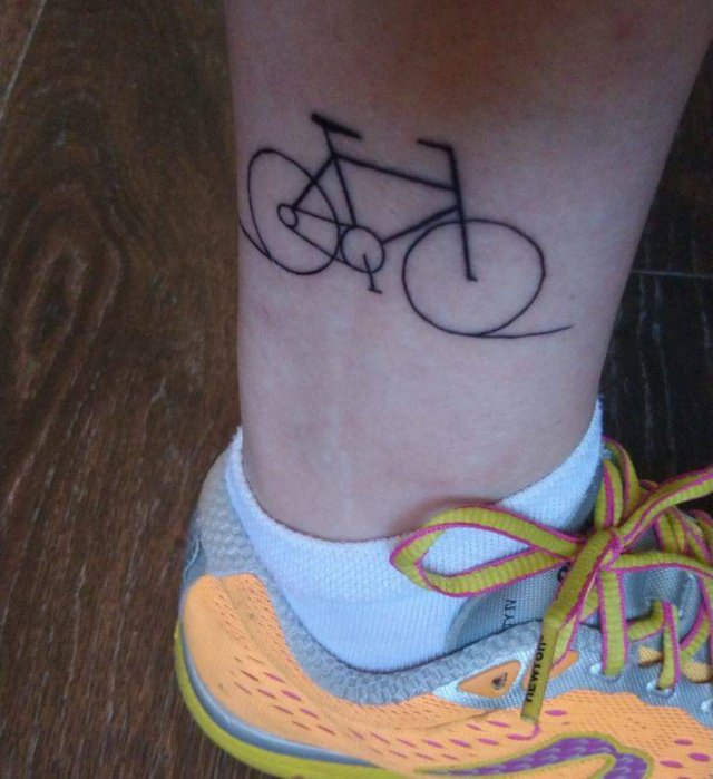 Each Tattoo Has A Story Behind (21 pics)