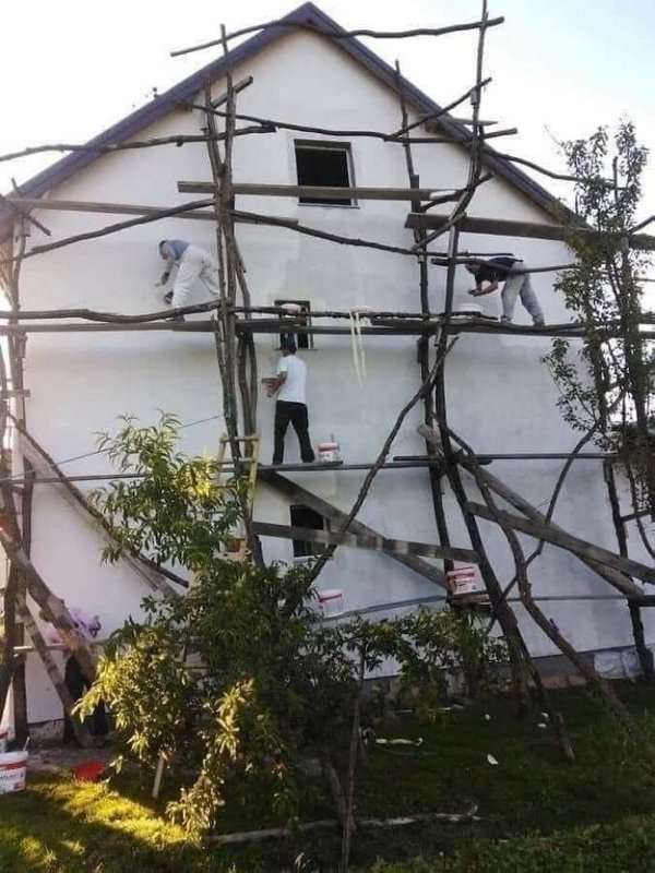 These People Haven't Heard About Safety (30 pics)