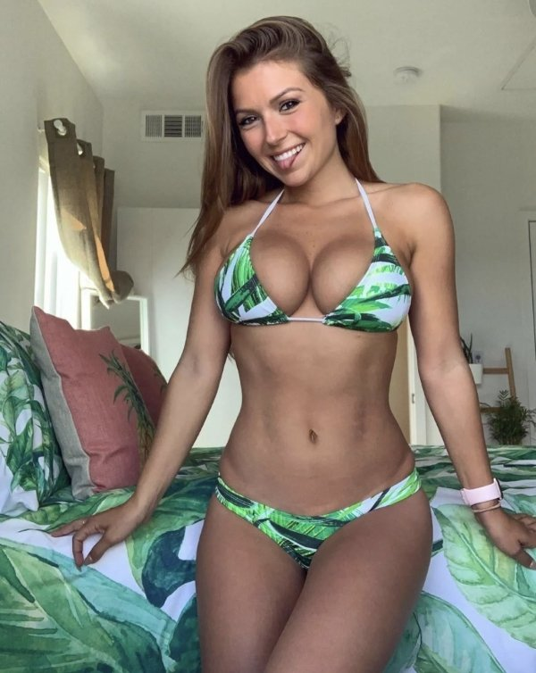 Girls With Beautiful Smiles (40 pics)