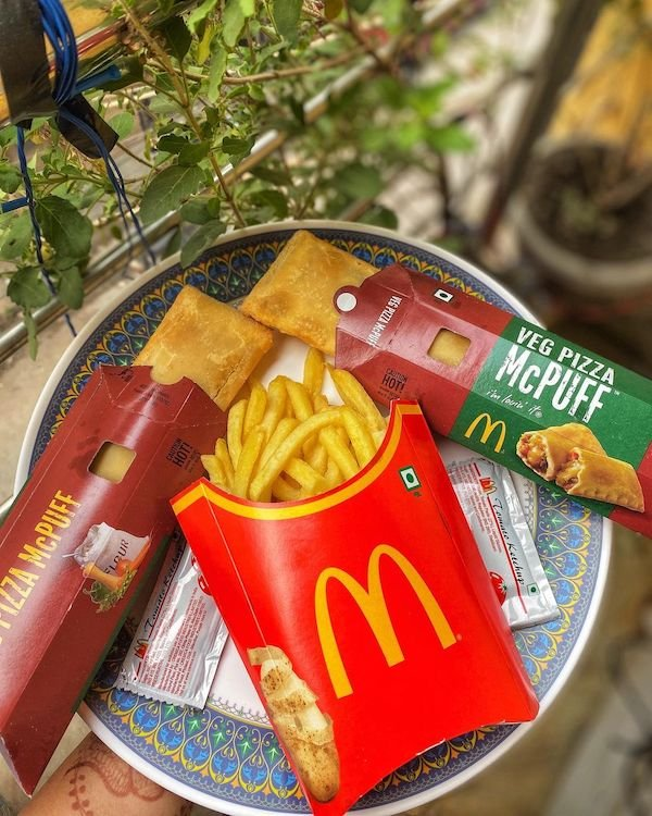Fast Food All Over The World (28 pics)
