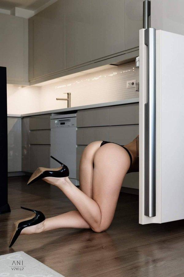 Girls With Beautiful Legs (36 pics)