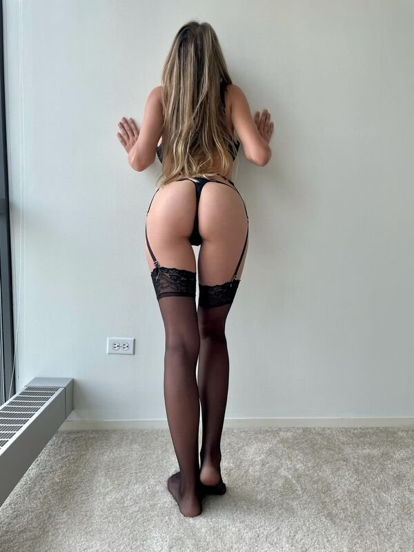 Girls In Stockings (38 pics)