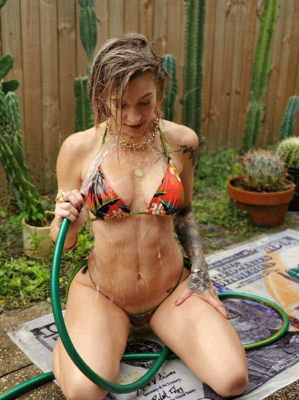 Tattooed Girls (41 pics)