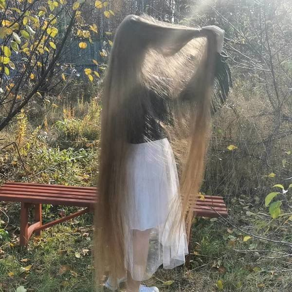 This Russian Woman Hasn't Cut Her Hair In 23 Years (12 pics)